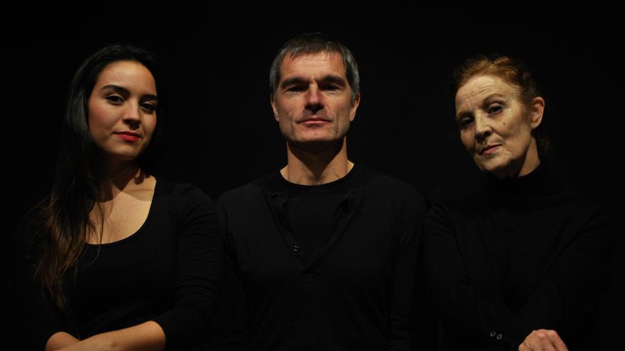 El elenco de 'Placenta', una obra dirigida y escrita por Julio Provencio