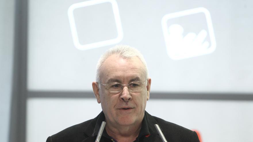 """Cayo Lara cree """"una pantomima"""" la auditoría del PP por el caso Bárcenas y exige que comparezca Rajoy"""