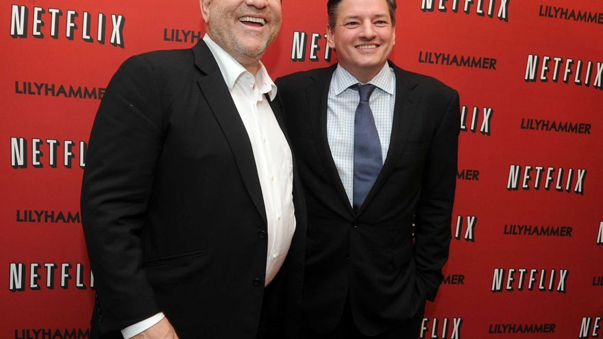 Ted Sarandos, Director de Contenidos de Netflix, junto al productor Harvey Weinstein