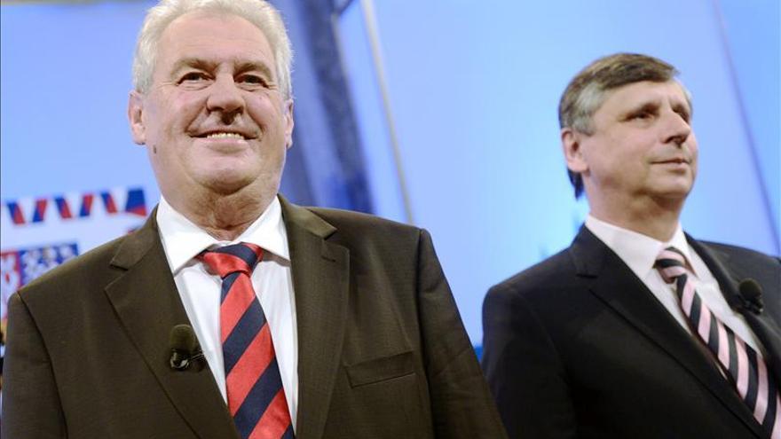 Acusaciones de nazismo enturbian la campaña de las presidenciales checas