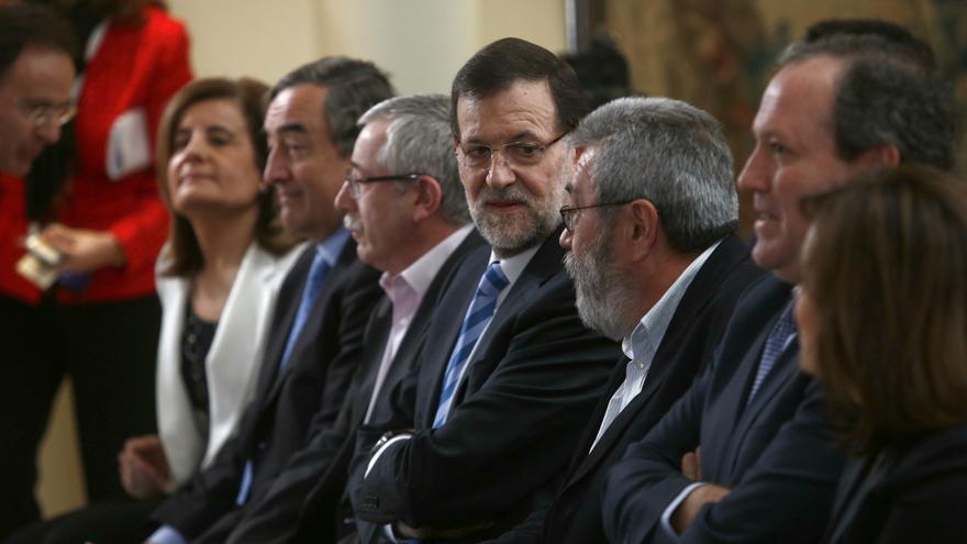 Báñez contacta con Toxo, Méndez y Rosell para la negociación de la ley de servicios mínimos