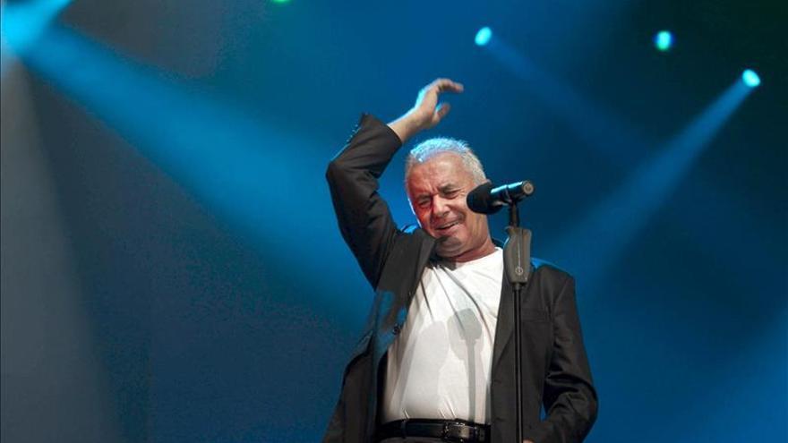 """Víctor Manuel publicará los conciertos en Oviedo de gira """"50 años no es nada"""""""