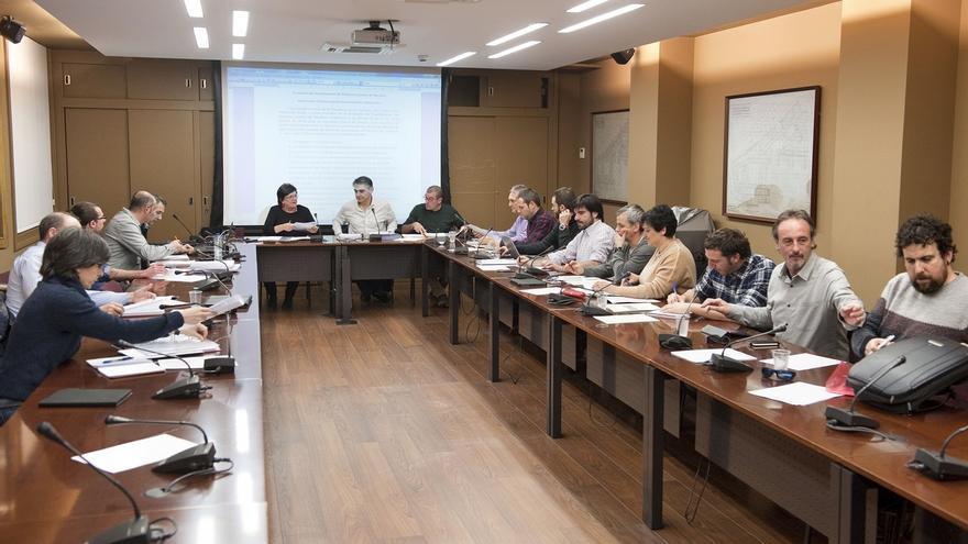 Gobierno y ayuntamientos avanzan en la elaboración de la nueva regulación de las policías locales de Navarra