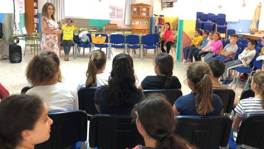 Momento de las charlas impartidas en los centros educativos