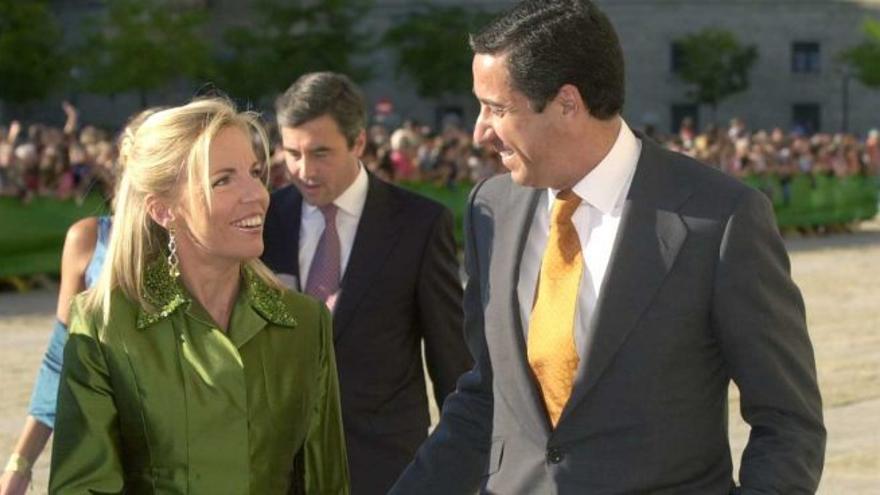 Eduardo Zaplana y su esposa, Rosa Barceló.