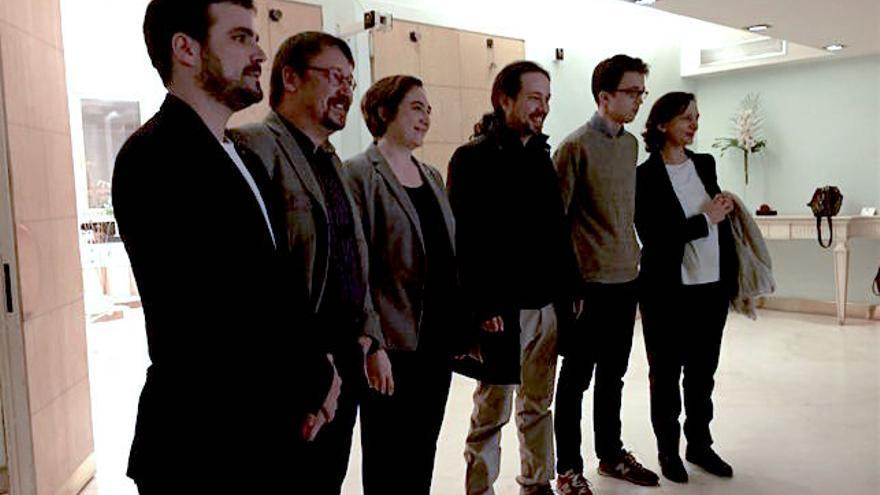 Alberto Garzón, Xavier Domènech, Ada Colau, Pablo Iglesias, Iñigo Errejón y Carolina Bescansa (Andrés Gil)