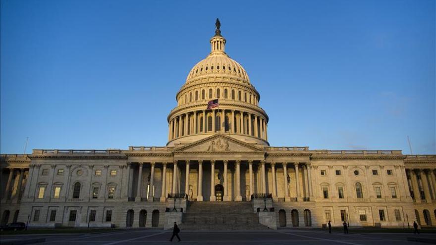 Capitolio de EEUU refuerza la seguridad tras los ataques terroristas en París