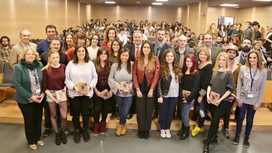 """Cesine entrega sus premios anuales para reconocer la """"dedicación e implicación"""" de profesores y alumnos"""