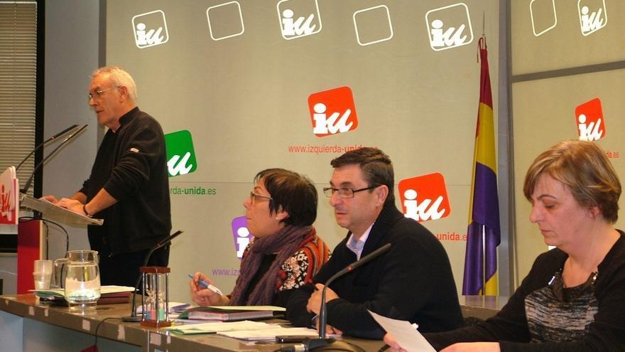 IU apuesta por la convergencia y abre la puerta a que Valiente pueda presentarse con Ganemos y Podemos en Madrid