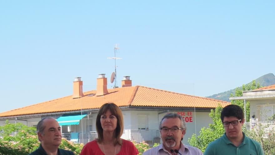 """Mendia (PSE-EE) dice que es """"fundamental"""" que el PSOE se mantenga """"firme"""" en su posición de no ayudar al PP a gobernar"""