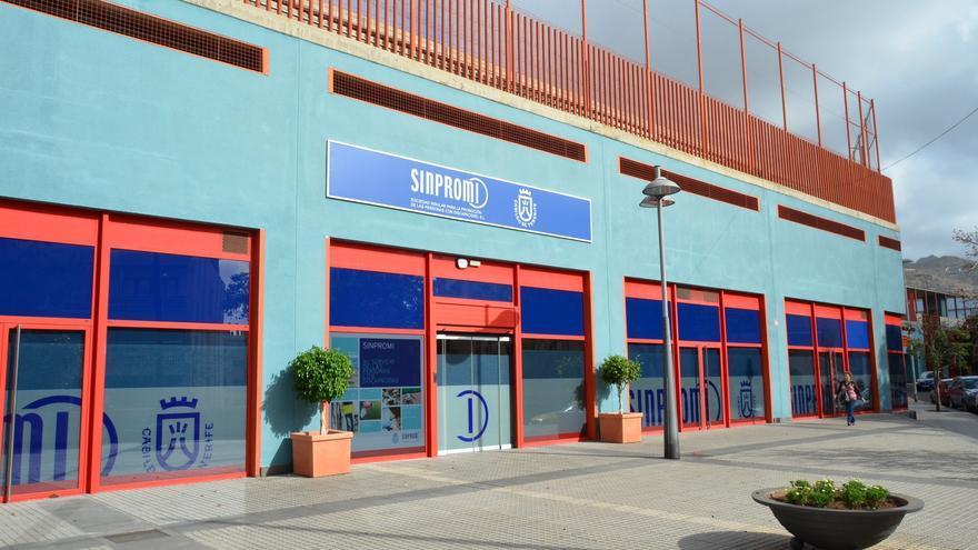 Fachada de la sede de Sinrpomi en Santa Cruz de Tenerife.
