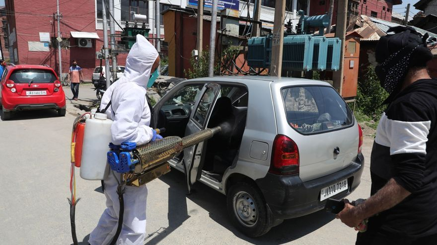 La India roza los 20 millones de casos de la covid-19 con 368.147 infecciones