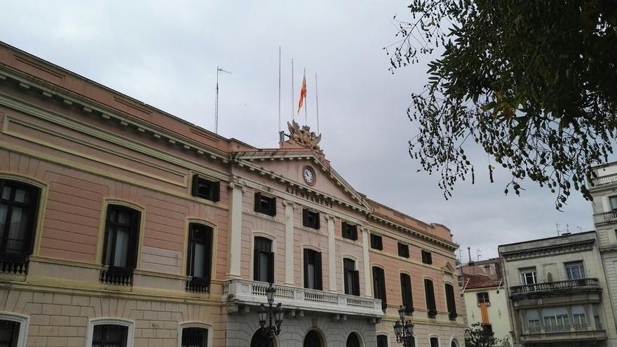 C's denunciará al gobierno de Sabadell por retirar la bandera de España y de la UE