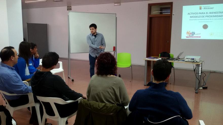 En los talleres participan diferentes sectores sociales