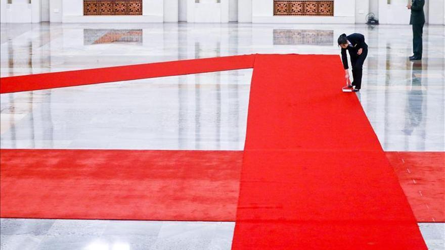 Énfasis comercial en la gira extranjera inicial del primer ministro chino