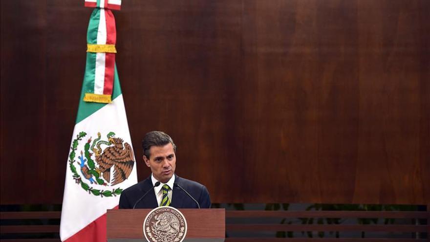 """Peña Nieto evoca el fantasma de la """"desestabilización"""" ante protestas"""