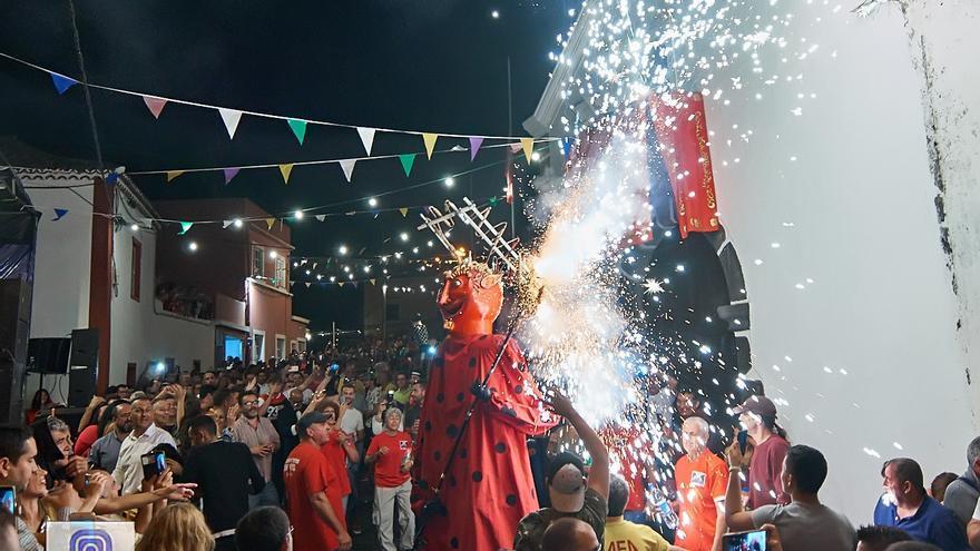 El Diablo apareció en Breña Alta en la madrugada de este domingo.