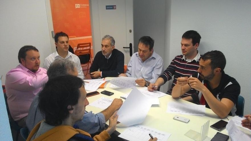 """Dou se ve víctima de una """"trama"""" de la cúpula nacional de Cs para """"apartar"""" al sector de Carrancio del partido"""
