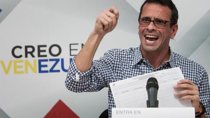 Capriles dice que el diálogo en Venezuela debe ser para que se dé el revocatorio