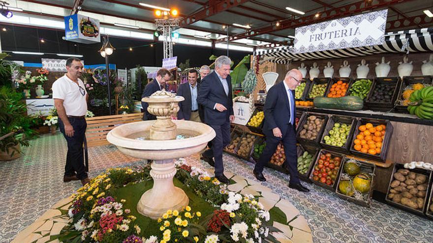 El presidente del Cabildo de Gran Canaria, Antonio Morales, junto al edil de Las Palmas de Gran Canaria, Pedro Quevedo, en Gran Canaria Me Gusta.