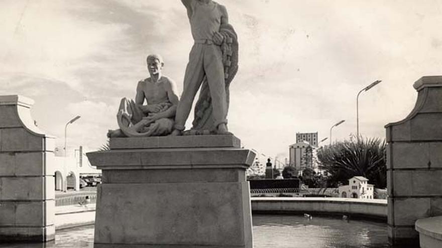 Entrada al Muelle Grande 1960-70