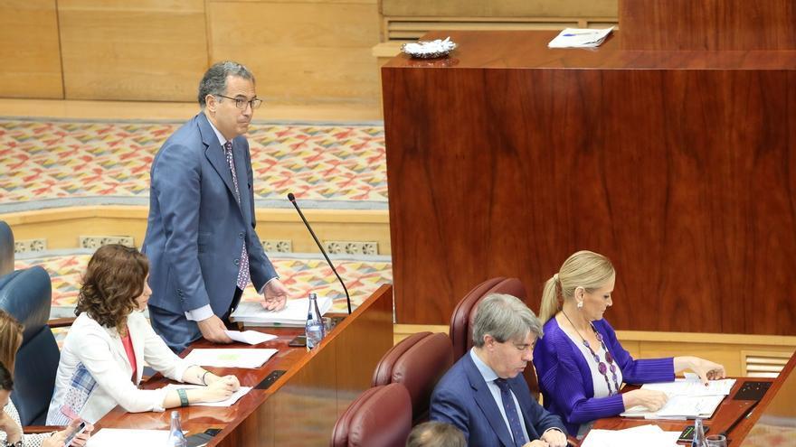 Portavoz del PP en Asamblea de Madrid estudia querellarse por injurias contra la diputada que le acusa de maltrato