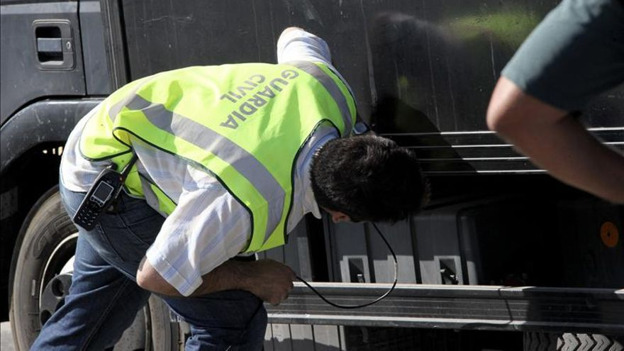 227 inmigrantes entran en Ceuta en dos meses, la mayoría ocultos en vehículos