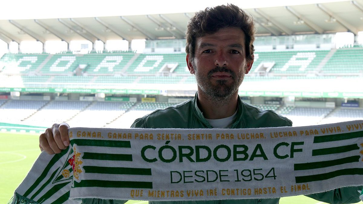 Roberto Ramírez, técnico del Córdoba Femenino
