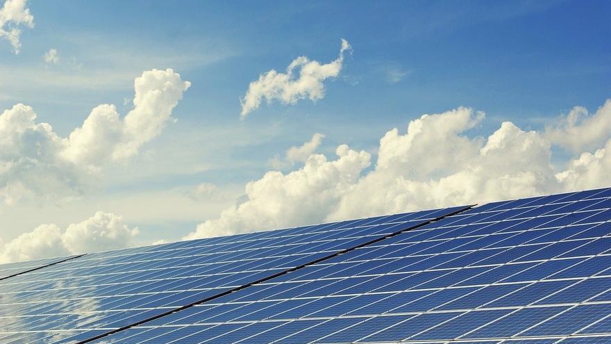 Los costes competitivos de las renovables hacen más atractiva su inversión frente al carbón, según Irena