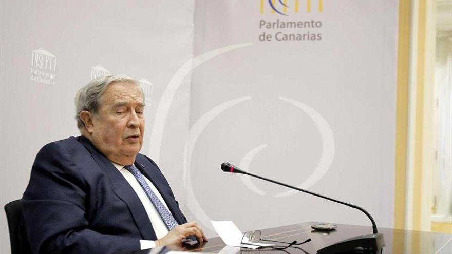 El diputado del Común, Jerónimo Saavedra, durante la rueda de prensa.