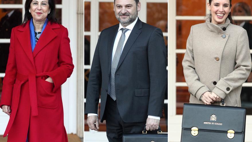 Margarita Robles, ministra de Defensa, José Luis Ábalos, ministro de Transportes, Movilidad y Agenda Urbana y Irene Montero, ministra de Igualdad
