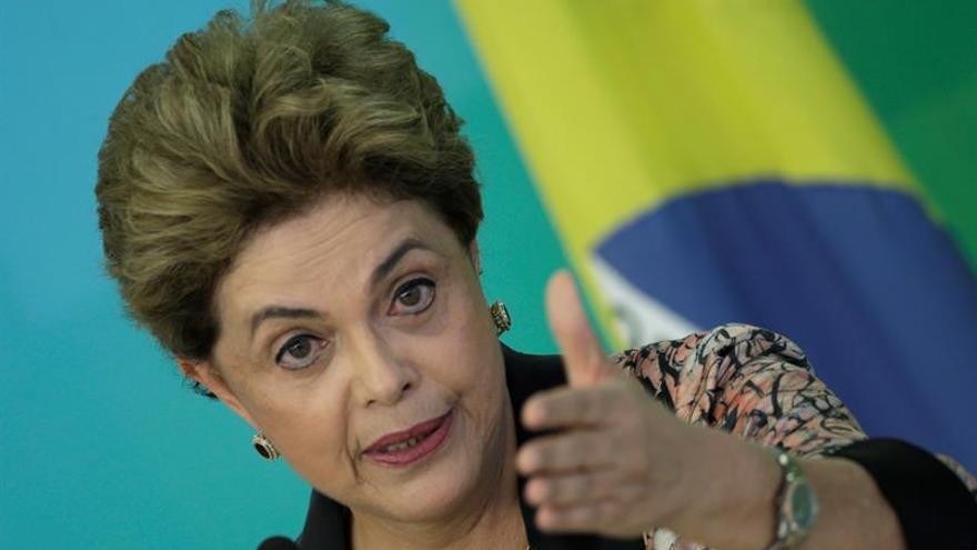 El PT le da largas al juicio que puede llevar a la destitución de Rousseff