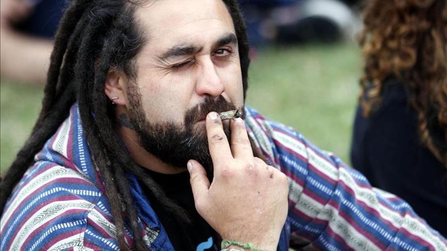 Uruguay recomienda adoptar política de regulación del mercado de la marihuana