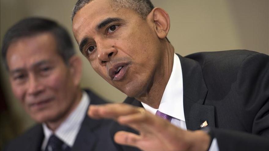 Obama recibe a periodistas perseguidos para subrayar el valor de la prensa libre