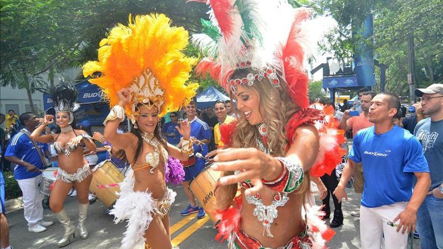 Más de 40 grupos participarán en el concurso del Carnaval de Uruguay en 2015