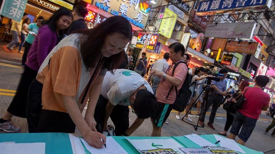 Nuevas manifestaciones en Hong Kong contra Pekín lideradas por el librero detenido