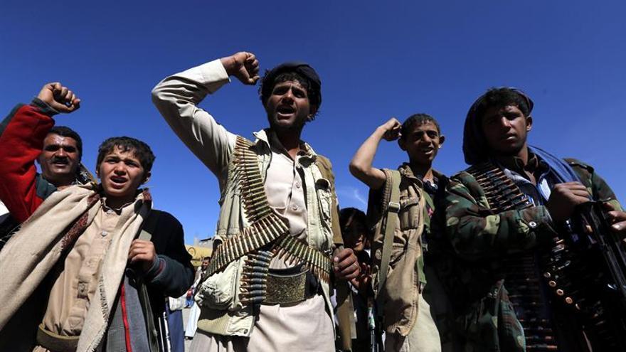 Mueren 16 civiles en bombardeos de la coalición árabe en el oeste del Yemen