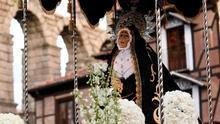 """Los """"picaos"""" llenan de solemnidad y fervor la procesión del Jueves Santo"""