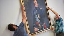 Ya que no investigan a Juan Carlos, al menos ahórrennos el pitorreo