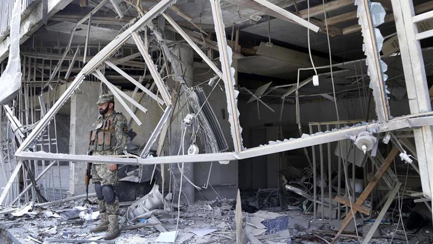 Al menos 4 muertos en un atentado suicida contra la vivienda de un diputado afgano