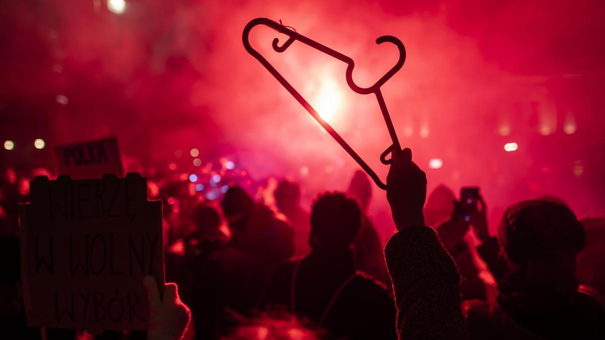 Al menos 14 personas fueron detenidas en las protestas contra las restricciones al aborto legal en Polonia