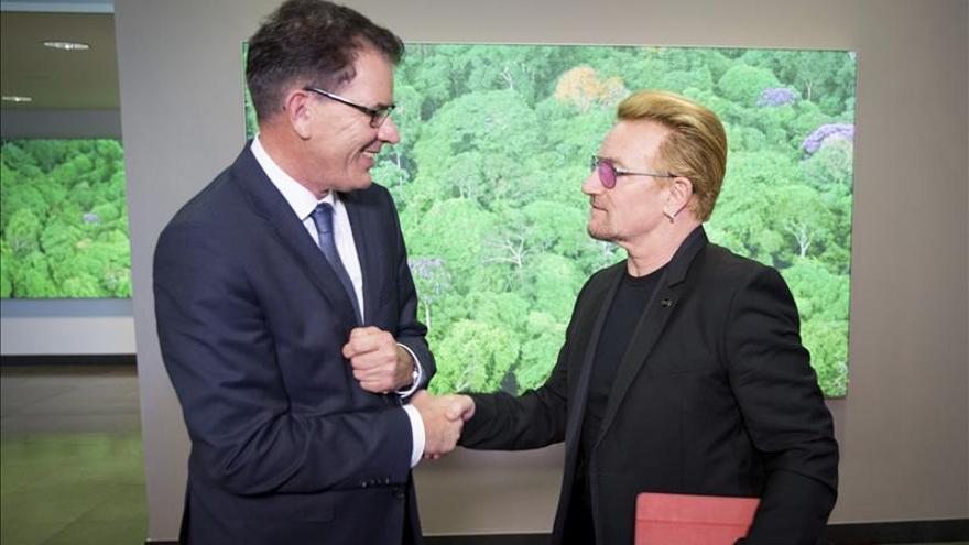 Sólo Alemania actúa de forma correcta con los refugiados, según el líder de U2