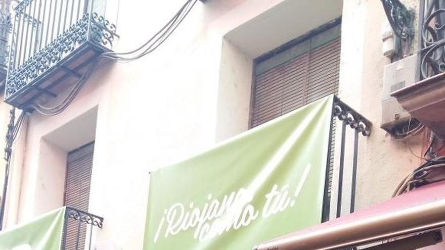 El zurracapote del Partido Riojano y los sobaos de Cantabria se hermanan