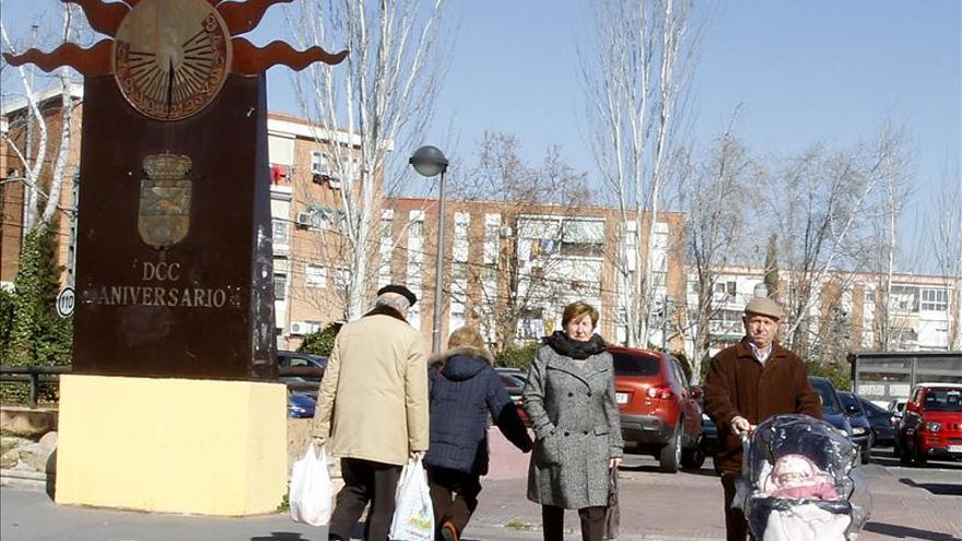 La población española se reduce por primera vez en diecisiete años