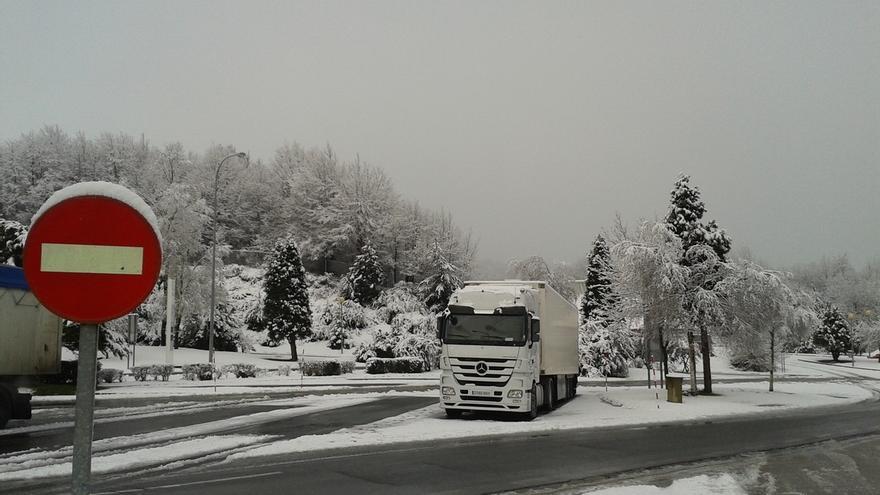 Un centenar de quitanieves y 232 personas garantizarán la vialidad en Álava durante el invierno
