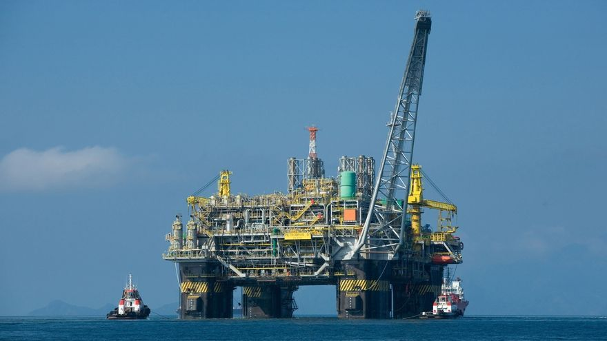 El Brent repunta un 4,6% tras el inicio de la reunión de la OPEP y sus aliados