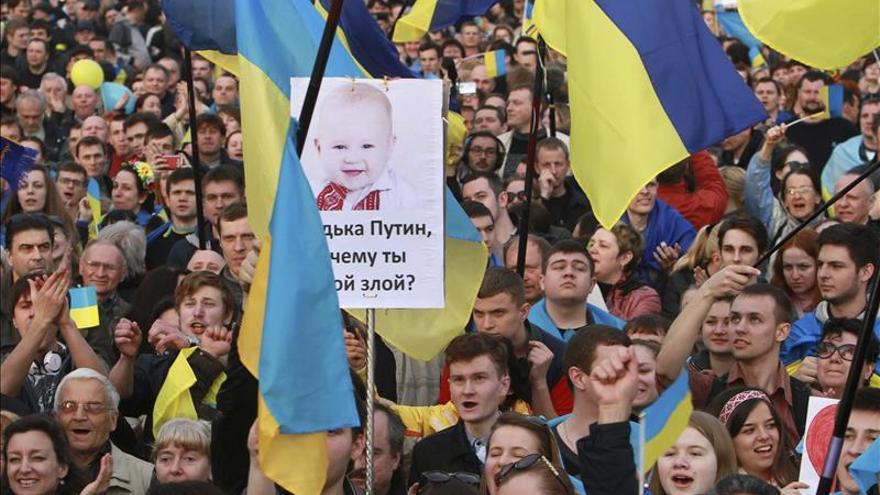 El alcalde de Donetsk negocia la liberación del Ayuntamiento ocupado por prorrusos