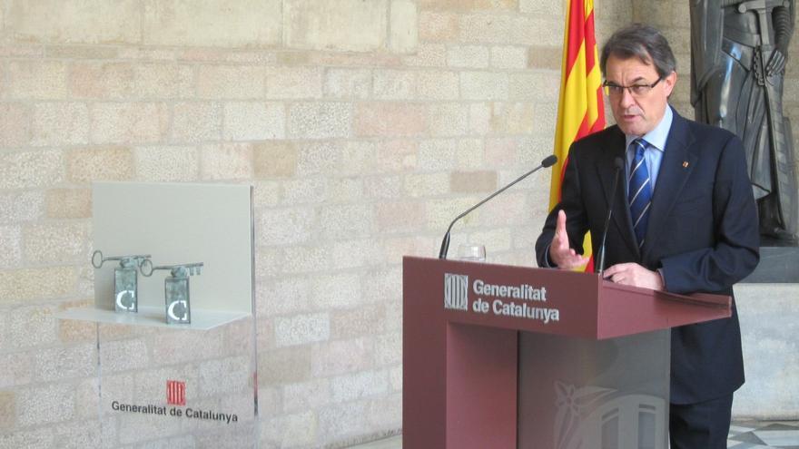 """Mas exige a Aznar y Zapatero que respeten """"políticamente"""" los deseos de los catalanes"""