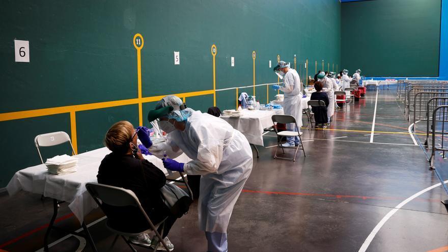 Aumentan los contagios en Euskadi y la incidencia roza ya los 300 casos