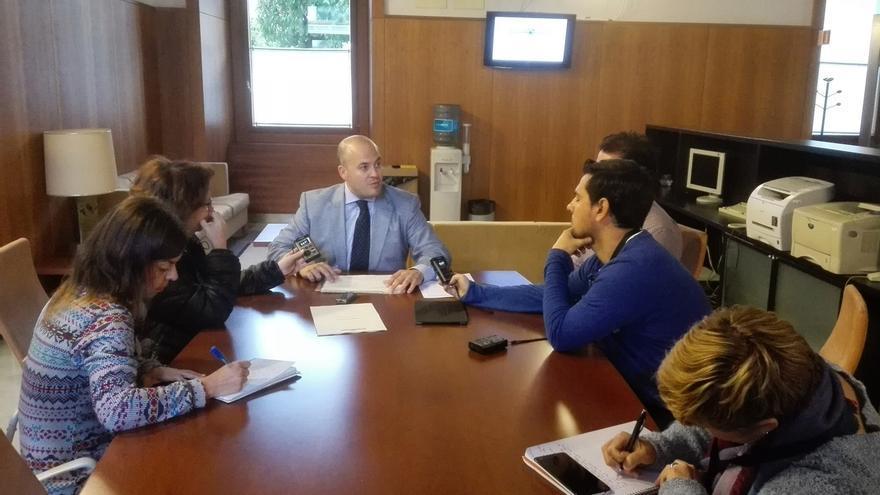 """El presidente de la comisión de formación critica que al PP-A """"no le valga"""" el acuerdo para las comparecencias que apoyó"""